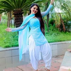 Punjabi Girls, Punjabi Dress, Punjabi Suits, Photography Women, Portrait Photography, Bubbles Wallpaper, Punjabi Culture, Patiala Salwar Suits, Indian Suits