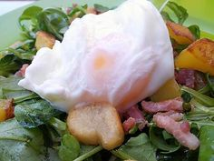 Recette d'Oeuf poché inratable (cuisson au micro ondes) Microwave Recipes, Cooking Recipes, Healthy Recipes, Poached Eggs Microwave, Weed Recipes, Cuisine Diverse, Food Test, Exotic Food, How To Cook Eggs