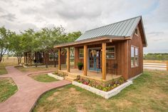 Tiny House Rental in a Peaceful Rural Setting in Waco, Texas - The Best Tiny Houses You Need to Visit this Year! Tiny House Movement // Tiny Living // Tiny House on Wheels // Airbnb // Tiny House Cabin // Tiny Home Tyni House, Tiny House Cabin, Tiny House Living, Tiny House Design, Cabin Homes, Tiny Homes, Tiny Cabin Plans, Small Cabin Designs, Shed Cabin