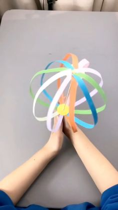 Girly Things A simple tutorial to show you how to DIY a spinning ball. Diy Crafts For Kids Easy, Diy Crafts Hacks, Diy Crafts For Gifts, Diy Home Crafts, Creative Crafts, Diy Straw Crafts, Cool Paper Crafts, Paper Crafts Origami, Cute Crafts