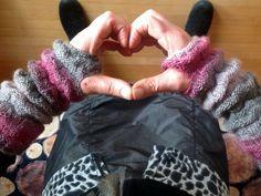 gestrickte Amedisli... Hand Warmers, Fingerless Gloves, Mittens, Knitting, Crochet, Crafts, Crochet Leg Warmers, Knit Patterns, Hand Crafts