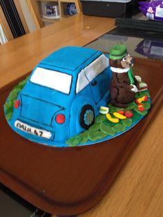 Yogi Bear & car cake