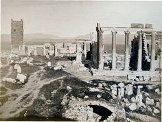 1870 ~ Τα Προπύλαια και το Ερεχθείο. (φωτογραφία Πέτρου Μωραίτη).