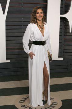 Jessica Alba Photos Photos - Jessica Alba arrives for the 2016 Vanity Fair Oscar Party on Sunday, February 28, 2016 in Beverly Hills, California. / AFP / ADRIAN SANCHEZ-GONZALEZ - 2016 Vanity Fair Oscar Party