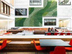 For the conversion of 888 Brannan – originally constructed in 1917 as the Eveready Battery Company warehouse – Gensler created workspace...