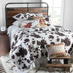 Bessie Cow Print Quilt Whether you have cattle in the field or not, you'll love this fun and funky cow print quilt. Brown and white spots look as country as can be! Cowgirl Bedroom, Western Bedroom Decor, Western Rooms, Rustic Bedroom Design, Western Bedding, Country Western Decor, Bedroom Designs, Cowboy Room, Redneck Bedroom