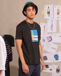 Catch unwindin' to a relaxed Easy Fit. 😎 Men's Easy Fit Tee Sho Donny Pangilinan Wallpaper, Asian Men, Asian Guys, Pretty Men, Beautiful Men, Speaker Plans, Man Crush, My Man, Celebrity Crush