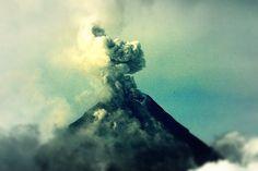 Nakada Setsuya è uno dei massimi esperti al mondo di vulcanologia e grandissimo esperto di fama mondiale anche di terremoti   http://tuttacronaca.wordpress.com/2013/09/05/preoccupazione-per-il-vesuvio-e-qualche-polemica-di-troppo/