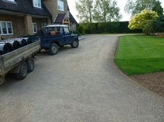 Farmhouse Tar and Chip Gravel Driveway in Oxfordshire | Davies Driveways