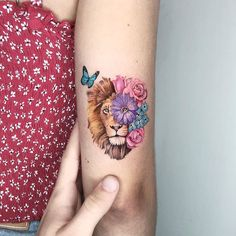 50 Eye-Catching Lion Tattoos That'll Make You Want To Get Inked- 50 Eye-Catching Lion Tattoos That'll Make You Want To Get Inked awesome lion tattoo ideas for women © tattoo artist ❤❤❤❤❤ - Small Lion Tattoo For Women, Tattoos For Women On Thigh, Animal Tattoos For Women, Mini Tattoos, Cute Tattoos, Beautiful Tattoos, Body Art Tattoos, Small Tattoos, Tatoos