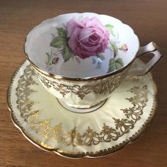 Aynsley Roses Pale Yellow Tea Cup and Saucer, Large Pink Rose Gold Teacup and Saucer, Vintage Bone China Vintage Cups, Vintage Dishes, Vintage China, Tea Rose Garden, Roses Garden, Yellow Tea Cups, Rosa Rose, Bone China Tea Cups, My Cup Of Tea