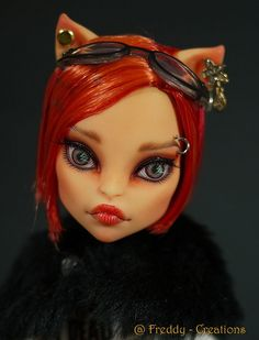 One of my Favorite MH doll repaint * Toralei * Custom Monster High Dolls, Monster Dolls, Monster High Repaint, Custom Dolls, Zombie Monster, Doll Painting, Cat Doll, Doll Repaint, Doll Hair