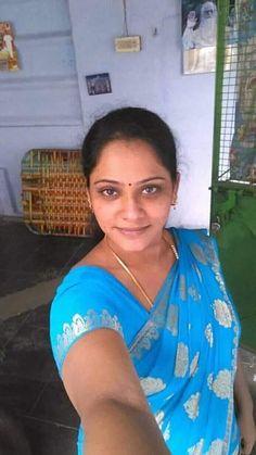 Beautiful Women Videos, Beautiful Women Over 40, Beautiful Blonde Girl, Beautiful Girl Indian, Beautiful Saree, Saris, Arabian Beauty Women, Snake Girl, Desi Girl Image