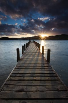Beautiful sunrise over the dock! Beautiful sunrise over the dock! Beautiful World, Beautiful Images, Nature Pictures, Cool Pictures, Natur Wallpaper, Landscape Photography, Nature Photography, Photography Tips, Beautiful Sunrise