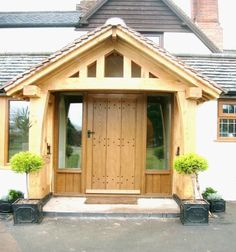 Open green oak porch with tiled pitched roof Porch Roof Styles, Porch Roof Design, Patio Roof, Oak Front Door, Front Porch, Porch Oak, House With Porch, House Front, Porches
