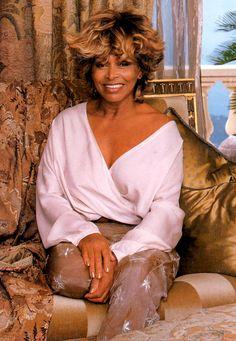 6 Back Issues Architectural Digest 2000 Tina Turner Robert Redford Tina Turner, Tennessee, Beautiful Black Women, Beautiful People, Rainha Do Rock, Meagan Good, Divas, Ageless Beauty, Music Icon
