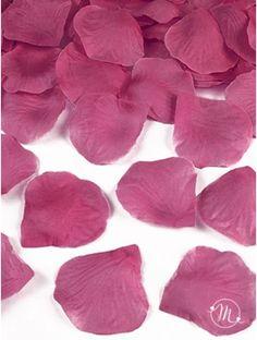 Petali in tessuto fucsia. Petali in tessuto 100 pezzi. Ideali per allestimenti. #ricevimento  #allestimenti #matrimonio #ricevimentomatrimonio #nozze #weddingplanner #accessori #decori #tavoli #sedie #runner #fiocchi #wedding #weddingideas #ideasforwedding #petali #tessuto