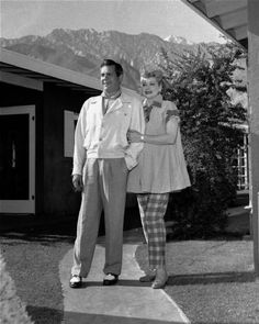 Desi Arnaz and Lucille Ball *she's expecting inthis pic, luff her maternity ensemble!*