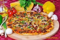 Пицца с фаршем  Предлагаю вашему вниманию довольно простой рецепт пиццы. Я её назвала мясной, можно назвать домашней, так как основным мясным ингредиентом является столь популярный в нашей стране продукт, как фарш. Сегодня я использовала смесь из говяжьего и свиного фарша, подойдёт в принципе любой.   Тесто  получается великолепным, данное количество ингредиентов теста рассчитано на 3 пиццы диаметром 30 см, тесто получается очень тонкое и вкусное, я сразу же при замешивании добавила в…