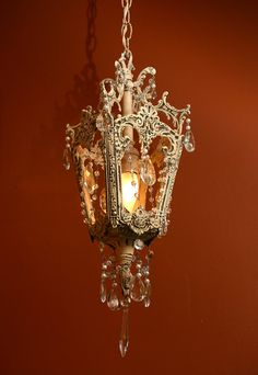 Vintage Victorian Lantern - can I have this please?  so pretty!  #home #decor