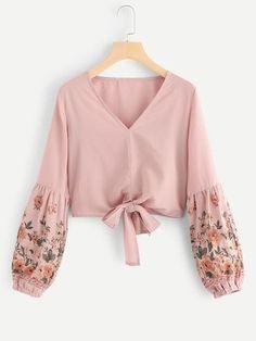 Boho Floral Top Regular Fit V neck Long Sleeve Pullovers Pink Crop Length Floral Bishop Sleeve Knot Hem Blouse - Top - Women's Fashion Mode Abaya, Mode Hijab, Blouse Styles, Blouse Designs, Women's Fashion Dresses, Hijab Fashion, Maxi Dresses, Fashion Clothes, Fall Fashion