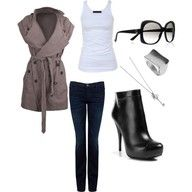 Short Sleeve Trench & Jeans- Love the coat!