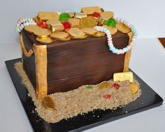 Treasure Chest cake by Piper Cakes