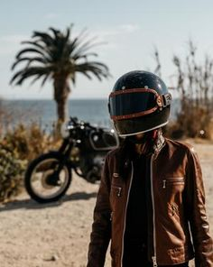 GLOSS BLACK // KNOX HELMET SET - The Equilibrialist Visors, Black Flats, Riding Helmets, Biker, Tights, Old Things, Abs, Modern, Style