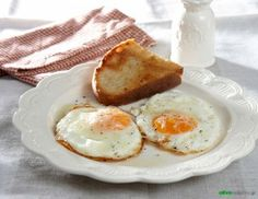 fried eggs/ cooking, food styling & photo by Antonia Kati Eat Greek, Greek Dishes, Food Styling, Fried Eggs, Cooking Food, Breakfast, Drinking, Desserts, Recipes
