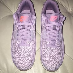 Nike Shoes Women's Nike Air Max NEW NO TRADES they are a 8 in women's if you are a air max 90 owner these run  like if they are 8.5 in my opinion all my air max 90 are 7 or 7.5 and I'm usually an 8 Nike Shoes Sneakers