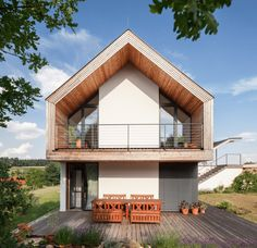 GOL 2 - Einfamilienhaus: translation missing: de.modern Terrasse von g. Residential Architecture, Architecture Design, Modern Floor Plans, Pole Barn Homes, Build Your Dream Home, Traditional House, Exterior Design, Future House, Beautiful Homes