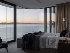 Australian Interior Design Awards - Peninsula by Hare + Klein Australian Interior Design, Interior Design Awards, Australian Homes, Interior Styling, Interior Decorating, Design Studio, House Design, Architecture Résidentielle, Luxurious Bedrooms