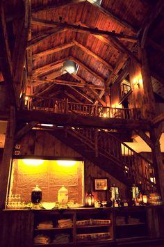 Rustic, barn wedding venues rock my world. #rusticwedding #barnweddingvenue #barnwedding