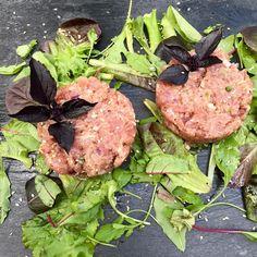 Tonijntartaar met balsamicodressing.  @www.amaggiore.nl