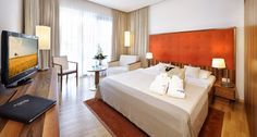 Luxury for your Body and Soul! All rooms at the Therme Laa – Hotel & SPA****S in Austria are spacious, airy and will provide you with the necessary comfort to make your spa vacation unforgettable! For exclusive spa package deals, please visit our website! Luxury Spa, Luxury Life, Superior Hotel, Spa Weekend, Spa Packages, Deep Relaxation, Wellness Spa, Luxury Accommodation, Hotel Spa