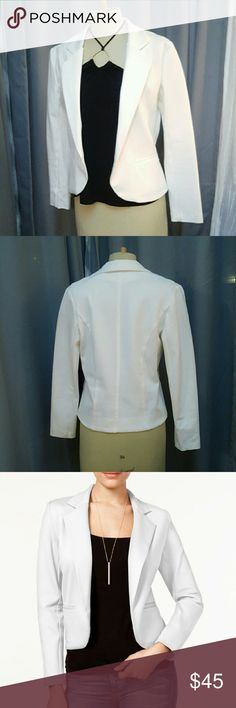 BAR III white blazer Super polished, contemporary silhouette! Wore it twice and tried to make it work, but no luck! Same blazer as in my Prada listing.  Perfect condition, like new. Currently selling at Macy's. Bar III Jackets & Coats Blazers