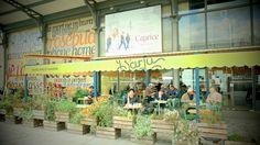 19ème - Le Barlu - juste à côté des deux mk2 sur les quais, pas trop cher (entrées 7 euros, burgers 15 euros, formule déjeuner étudiant)