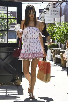 Alessandra Ambrosio #AlessandraAmbrosio Cute Style  Brentwood 02/05/2017 http://ift.tt/2sGhqVv