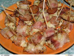 1. Nejprve si připravíme marinádu smícháním všech ingrediencí v odstavci č. 1.Potom si nakrájíme maso na kousky tak akorát do pusy, které dáme... Hawaiian Pizza, Potato Salad, Sausage, Pork, Food And Drink, Potatoes, Meat, Ethnic Recipes, Foods