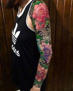 Japanese tattoo sleeve by Japanese Tattoo Designs, Japanese Tattoo Art, Japanese Sleeve Tattoos, 4 Tattoo, Color Tattoo, Body Art Tattoos, Fake Tattoos, Tattoos Pics, Tattoo Images