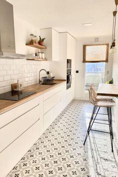 Classic Home Decor .Classic Home Decor Kitchen Room Design, Modern Kitchen Design, Home Decor Kitchen, Interior Design Kitchen, New Kitchen, Home Kitchens, Kitchen Dining, Kitchen Ideas, Nordic Kitchen