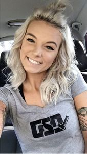 Hair goals - New Site Blond Hairstyles, Pretty Hairstyles, Inspo Cheveux, Medium Hair Styles, Short Hair Styles, Haircut And Color, Up Girl, Hair Dos, Hair Hacks