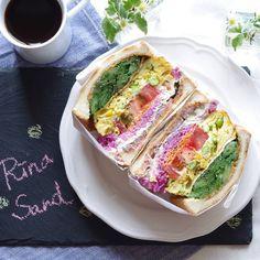 Deli Sandwiches, Sandwich Cake, Pita Bread, Coffee Recipes, Cute Food, Korean Food, Food Porn, Dessert Recipes, Food And Drink
