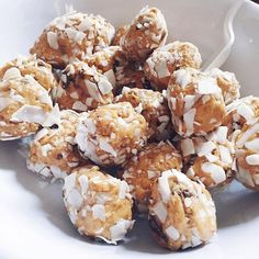 #SuperBowl? Haven't heard. Super balls with peanut butter & coconut from the #goddessbrunch made by @marisathrasher  (recipe in comments)