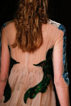 Valentino Spring 2016 Couture Collection Photos - Vogue detail