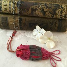 Antique Red Victorian Beaded Coin Purse by StoryologyDesign