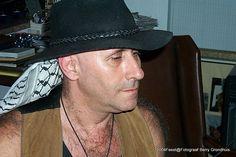 2004-5-31 Silvino treed op bij Senya en Ron op Casa Granja