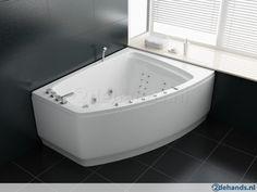 Bathtub Refinishing and Reglazing - Easy DIY Guide Diy Bathtub, Jacuzzi Tub, Corner Bathtub, Diy Projects Man Cave, Cast Iron Bathtub, Man Cave Diy, Master Bathroom, Easy Diy, House Ideas