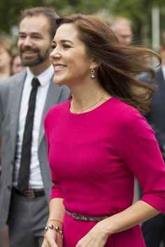 3a2ada77a1e Flapping flags from almost every corner of the world welcomed Crown Princess  Mary, when she visited Aarhus Academy for Global Education, to open its new  ...