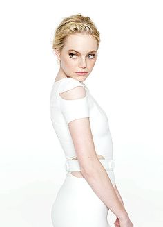 Gallery of photos showing Emma Stone styles. Emma Stone dress sense, clothes, accessories and hairstyles. Emma Stone Style, Actress Emma Stone, Glamour Magazine, Gq Magazine, Stone Pictures, Attractive People, Celebs, Celebrities, Hottest Photos